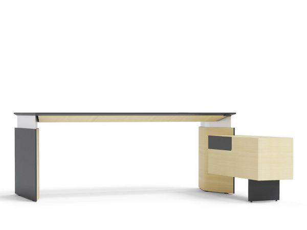 PlanaExecutive Steh-Sitzschreibtisch elektrisch höhenverstellbar mit Sideboard Fenix und Furnier