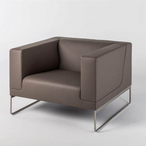 Noti Tritos Loungesessel mit Kufengestell aus Edelstahl