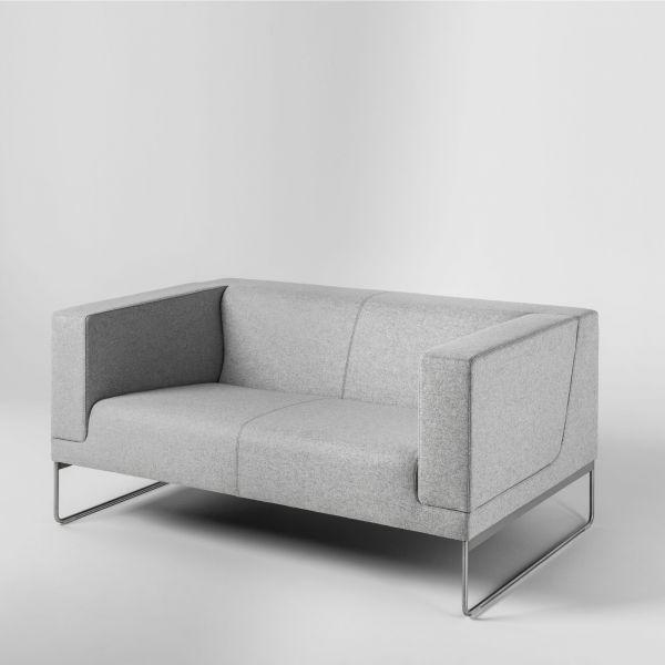 Noti Tritos Loungesofa 2-Sitzer mit Kufengestell aus Edelstahl