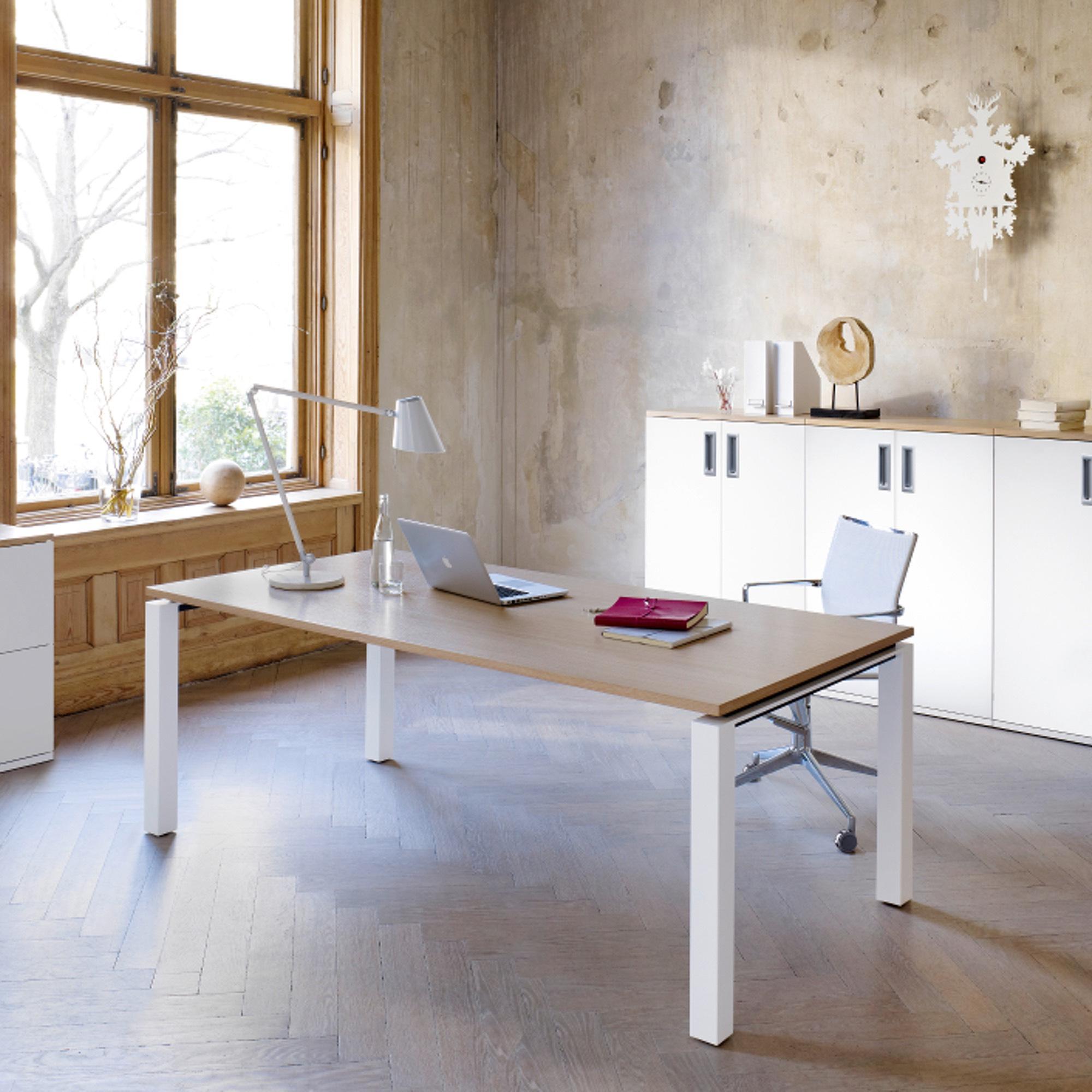 hund Möbelwerke - Schreibtisch PLANO | Büro Schreibtische ...