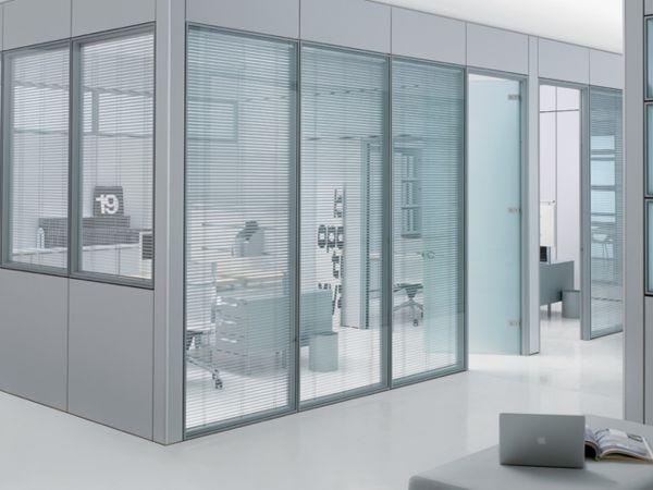 Frezza Areaplan Spacio Raumabtrennung mit Glaswände und Aluminium Profil