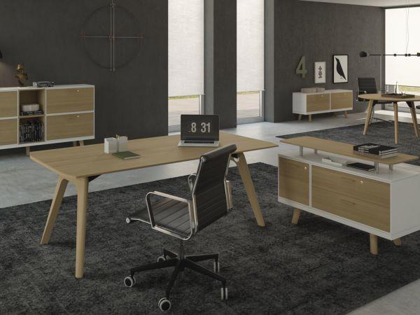 Bralco RAIL Executive Schreibtisch mit Furnier Tischplatte und Eichegestell