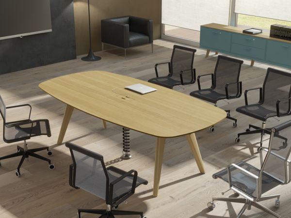 Bralco RAIL Konferenztisch 240/280x120 cm mit Tischplatte Eiche furniert und Eichegestell
