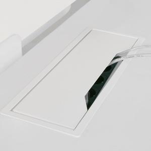 Schreibtisch_Kabeldurchlass