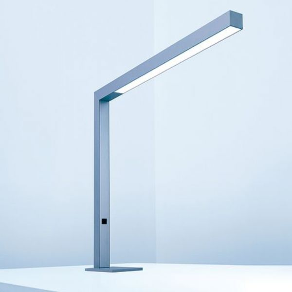 Lightnet Tischleuchte Travis T2 17W LED mit Fußplatte