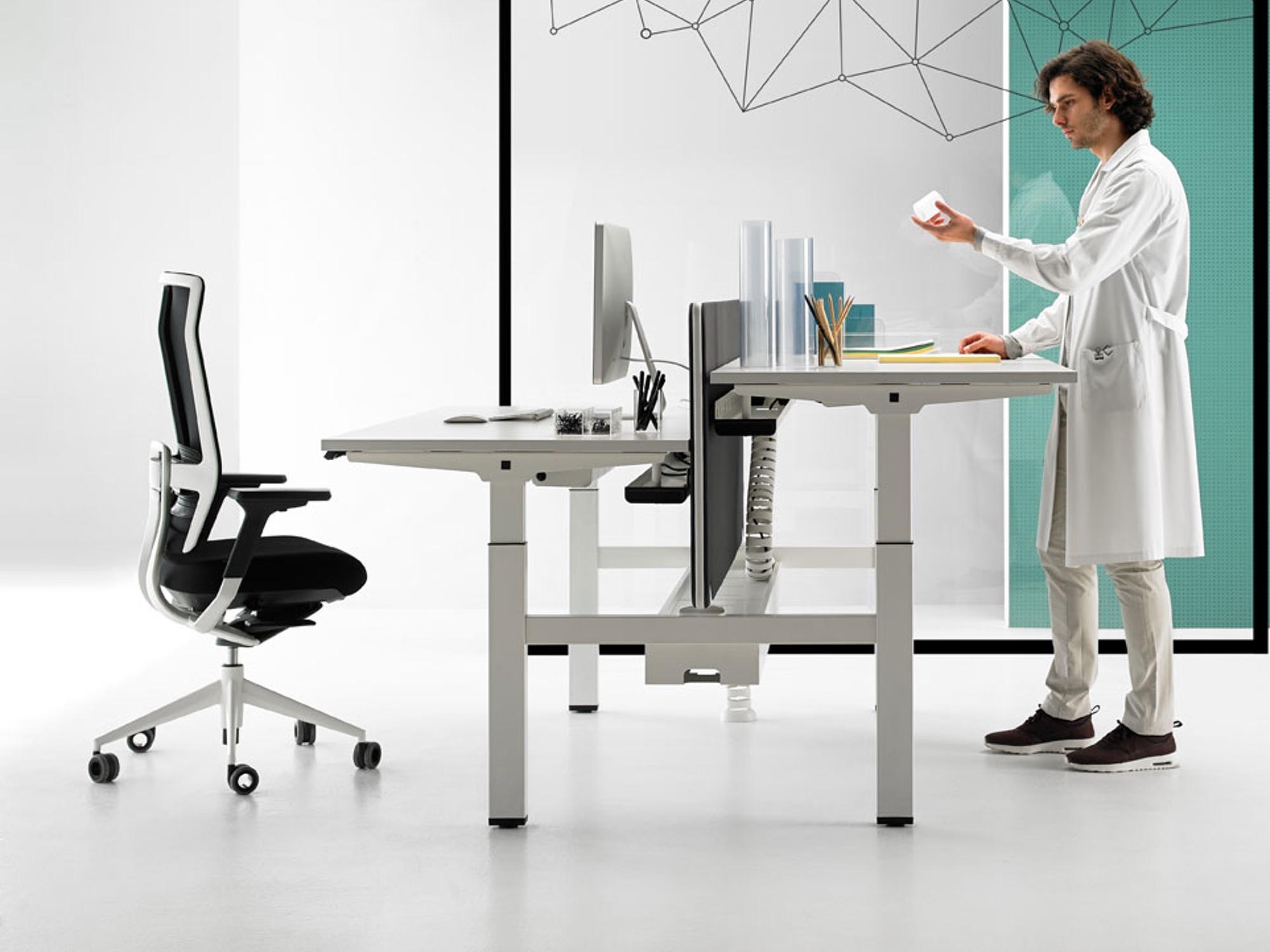 actiu mobility plus 2er bench elektrisch h henverstellbar schreibtische h henverstellbar. Black Bedroom Furniture Sets. Home Design Ideas