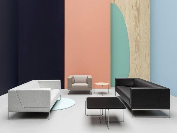 Noti Tritos Loungesofa 3-Sitzer mit Kufengestell aus Edelstahl